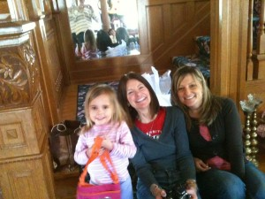 Eliana, Aunt Gail, and cousin Laura